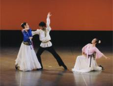 キャラクターダンス「マトリョーシカ」